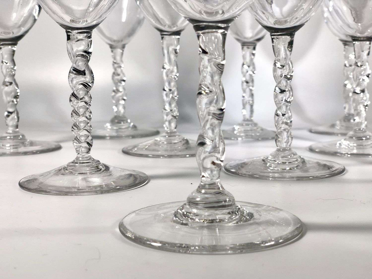 10 twisted glass tall stem wine glasses