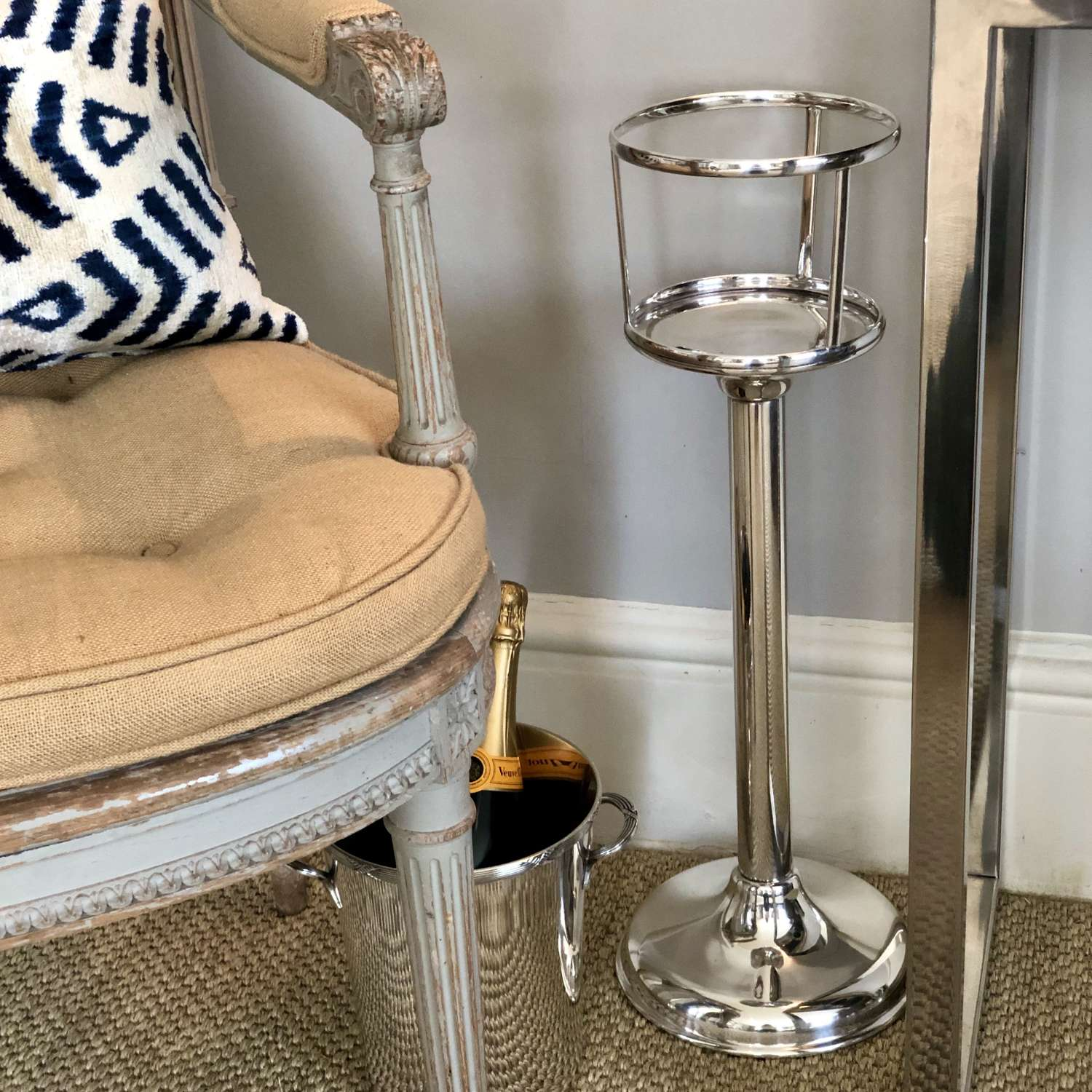 Good quality English Art Deco Ice Bucket Stand