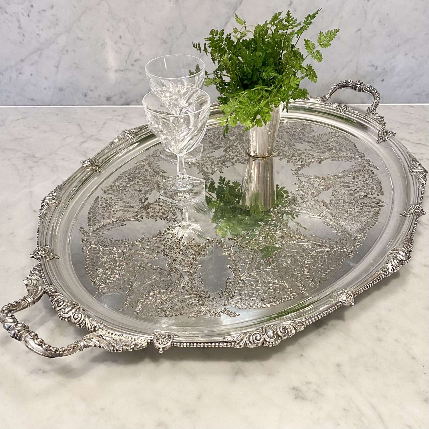 Superb quality fern etched Edwardian twin handled serving tray