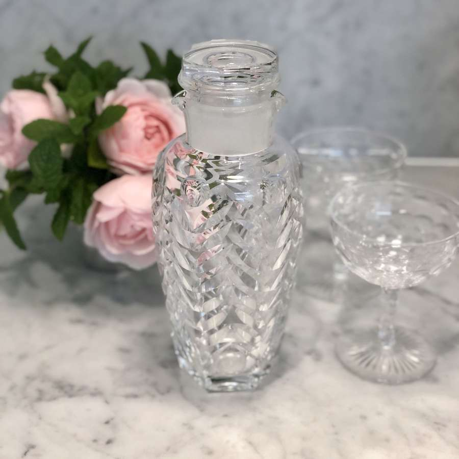 Exquisite cut crystal cocktail shaker decanter