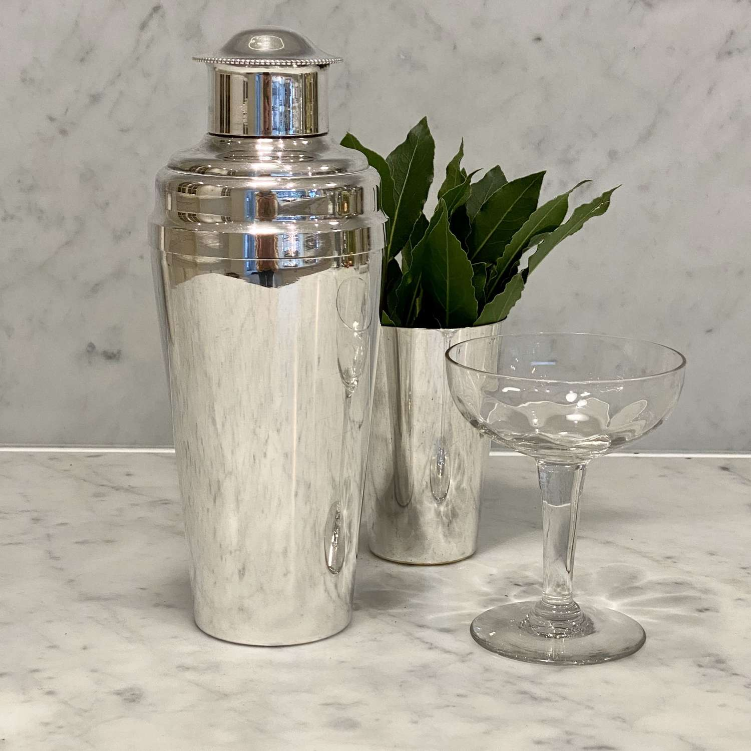 Excellent quality Art Deco silver plated cocktail shaker