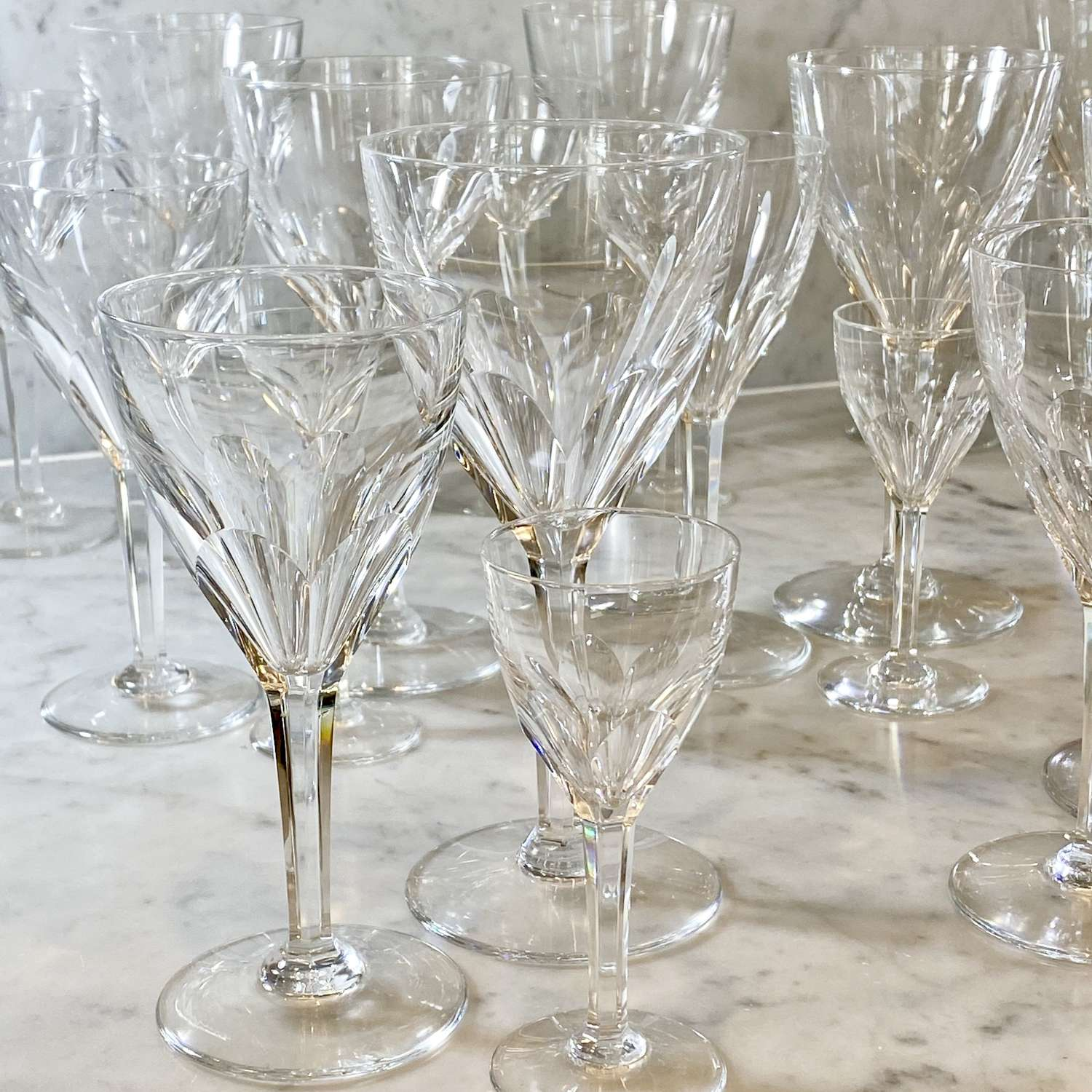 Suite of 36 Val Saint Lambert finest crystal wine glasses