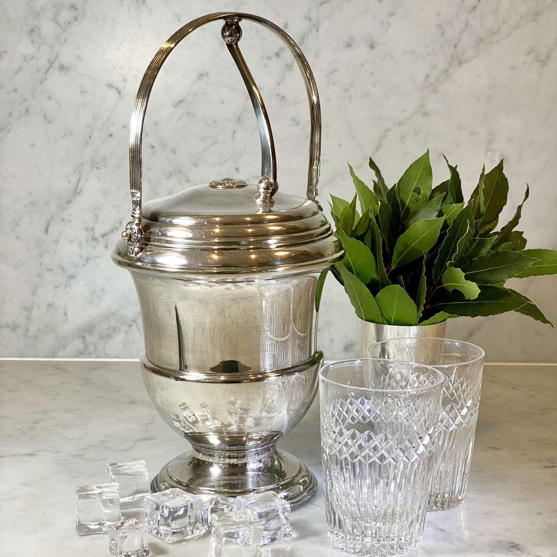 Art Deco Mechanical hinge lid English silver plated ice bucket