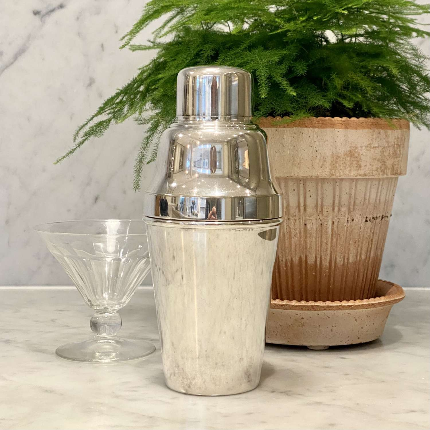 Quality English Art Deco silver plated cocktail shaker