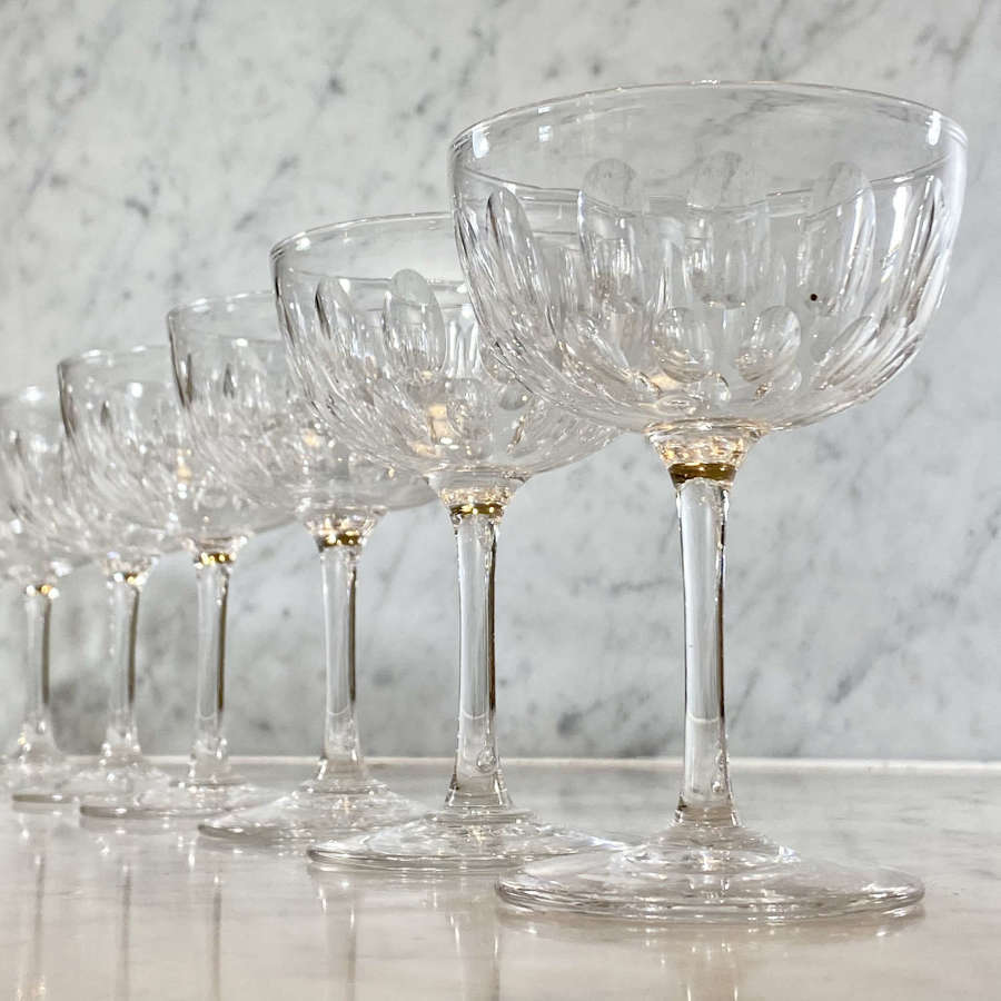 8 fine quality Victorian champagne or cocktail coupes