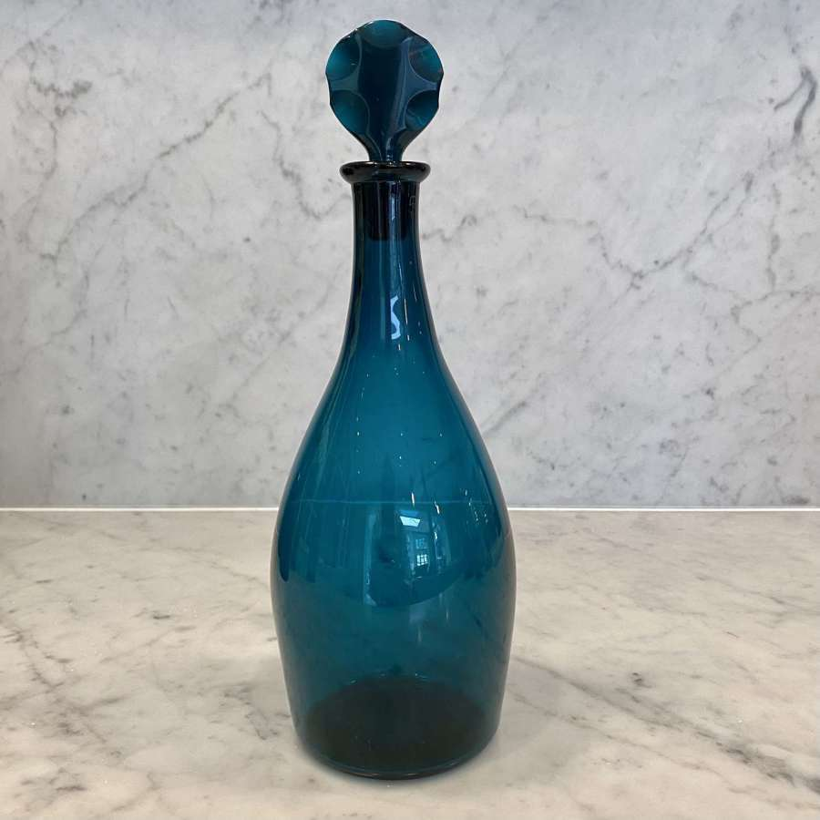 Early Georgian glass decanter & scalloped stopper