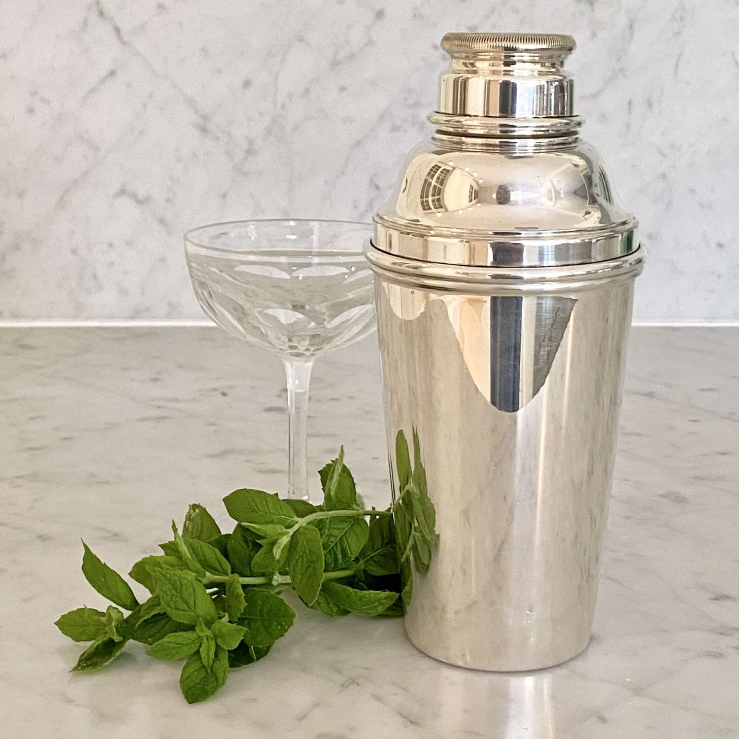 Classic Art Deco silver plated cocktail shaker